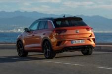 """Springt der Drehzahlmesser dann über die 2000er-Grenze hinweg, dann legt der T-Roc richtig los und macht dem """"R"""" alle Ehre. © Volkswagen"""