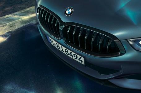 Vollendet wie ein Schmuckstück: die BMW-Niere des 8er Coupés. © BMW
