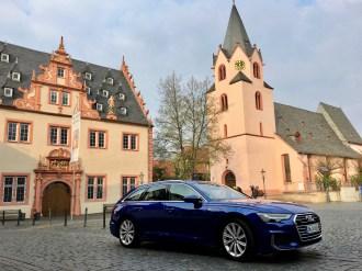 Für die Kraftübertragung auf die vier Antriebsräder des Audi quattro sorgt die siebenstufige S-tronic, deren Schaltvorgänge kaum wahrgenommen werden können. © Klaus H. Frank