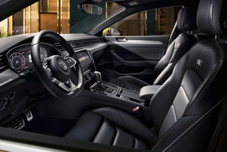So emotional der Arteon im Außendesign ist, so bieder ist er im Innenraum. © VW