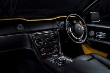 Harte Gelb-schwarz-Kontraste präcge das Cockpit. © Rolls-Royce