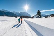 Licht und Energie tanken auf einer Winterwanderung in malerischer Umgebung. © oberbayern.de