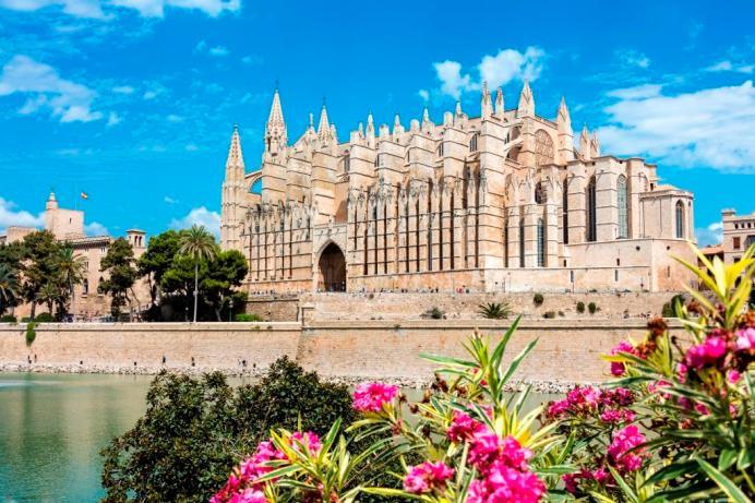 Die Kathedrale von Palma de Mallorca - das Wahrzeichen der Hauptstadt. © TUI