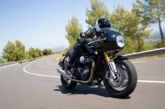 """Unsterblich für seine Fans wurde er als Stunt-Double seines Freundes Steve McQueen mit dem legendären Motorrad-Sprung im Hollywood-Klassiker """"Gesprengte Ketten"""". © Triumph"""