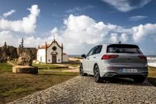 Kantiger und knackiger als beim Vorgänger ist das Heck des neuen Golfs geworden. © VW