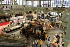 Die Markthalle von Les Sables d'Olonne ist zentraler Mittelpunkt des geschäftigen Treibens der Stadt. Sie entstand 1810 an der Stelle des ehemaligen Friedhofs der Kirche Notre Dame. © Kurt Sohnemann