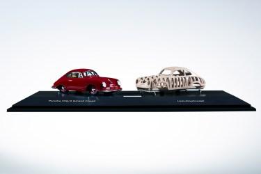"""Porsche 356 """"Gmünd"""" von Schuco im Maßstab 1:43 mit Holzblock für die Formung der Karosserie (Innovationspreis). Foto: Auto-Medienportal.Net/Delius-Klasing-Verlag"""