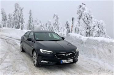 Der Opel Insignia macht auch mit Frontantrieb im Winter eine gute Figur. © Klaus H. Frank