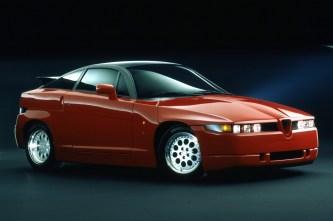 Schnell und leicht: der Alfa Romeo SZ mit 210 PS. © FCA
