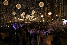Die Beleuchtung der Fußgängerzonen wie hier am Passeig del Born wird von den Mallorquinern in besonderer Weise zelebriert. © Kurt Sohnemann