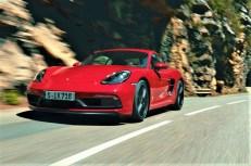 Hohe Drehzahlen, niedrige Gänge: So muss sich die Fahrt in einem echten Sportwagen anfühlen. © Porsche