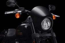 Scheinwerfer mit Banditenmaske. © Harley-Davidson