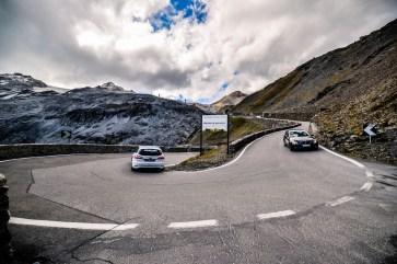 Jeder neue Bremsbelag wird bis zu 300.000 Kilometern in der Praxis getestet - auch auf Passstraßen. © TMD Friction
