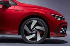Starke Räder: Bis zu 19 Zoll große Pneus packt VW in die Radkästen des GTI. © VW