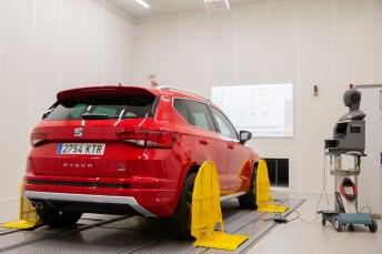Die Automobilindustrie verwendet reflexionsfreie Räume, um die von einem Auto erzeugten Geräusche zu definieren und den Lärm zu minimieren © Seat