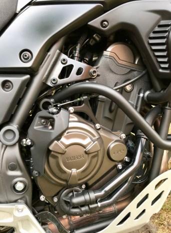 Der wassergekühlte Zweizylinder-Reihenmotor passt zur Yamaha. Die 73 Pferdestärken, mit denen er bestückt ist, reichen vollkommen aus. Es müssen nicht immer über 100 PS sein, um Fahrspaß zu haben. © Rainer Unruh / mid