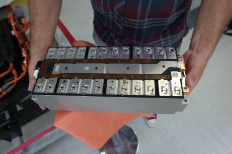 Jeder einzelne Batterie-Pack ist mehrfach abgesichert und überwacht. © Rudolf Huber / mid