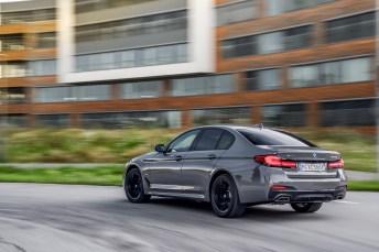 Das dank Facelift geschärfte 5er-Design passt gut zum Power-Hybrid. © BMW