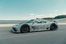 Die flache Flunder soll Formel-1-Technik auf die Straße bringen. © Daimler
