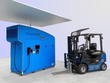 Toyota-Wasserstoffstapler an einer Simple-Fuel-Station. Foto: Auto-Medienportal.Net/Toyota