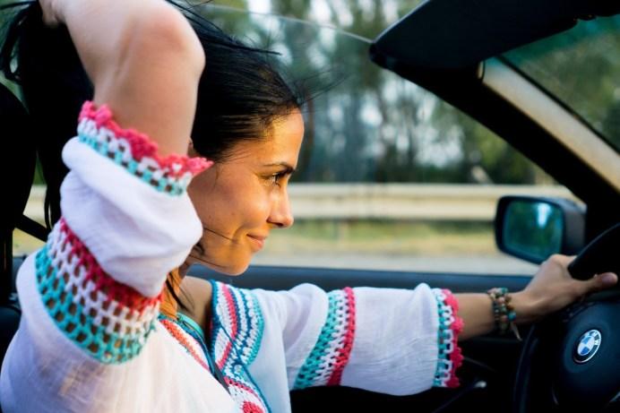 Entspannt mit dem Auto unterwegs: Garant dafür ist die richtige Versicherung. © Pixabay