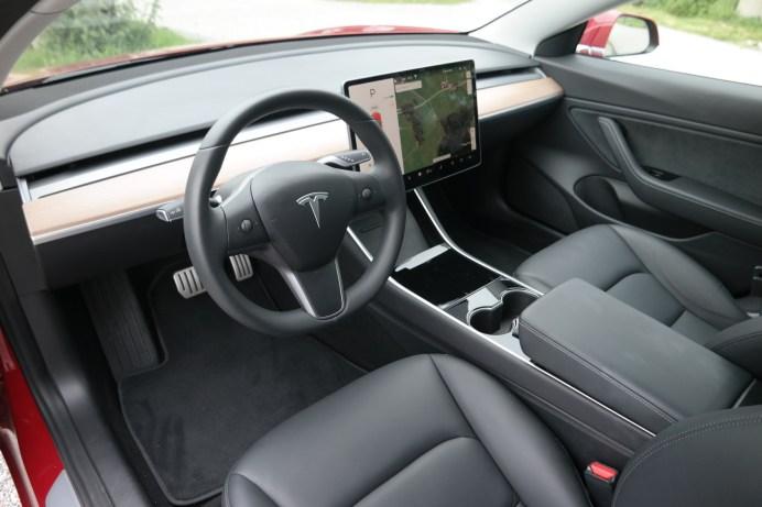 Das Infotainment-System im Tesla Model 3 kann im Test nicht überzeugen: Platz sieben. © Rudolf Huber / mid