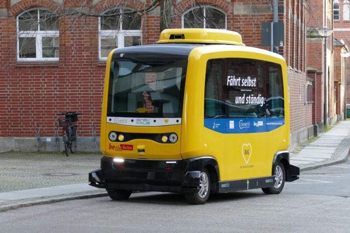 Den Einsatz selbstfahrender ÖPNV-Busse hält fast die Hälfte der Deutschen für besonders sinnvoll. © falco / Pixabay.com