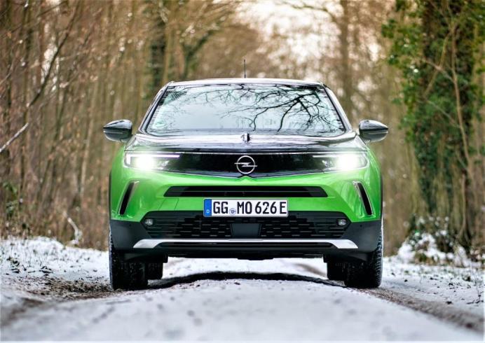 Mit individueller Verteilung funktioniert das Intellilux LEC Matrix Licht blendfrei. © Opel