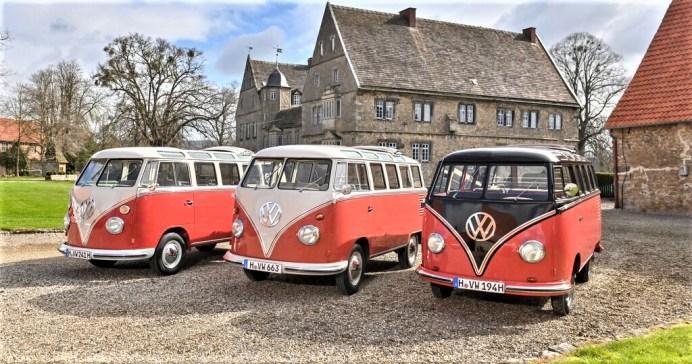 """VW Bulli """"Samba"""", Frontansicht der verschiedenen Modelle 1965 - 1962 - 1954 (von links nach rechts). Foto: Auto-Medienportal.Net/VWN"""