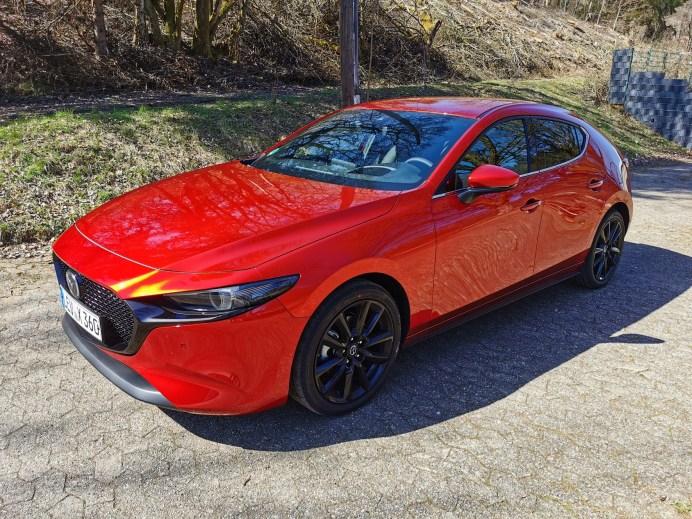 Mit dem Mazda3 hebt das Unternehmen das Kodo-Design auf die nächste Stufe: Mit einer von japanischer Ästhetik inspirierten Eleganz erreicht die Formensprache künstlerisches Niveau. © Mike Neumann / mid