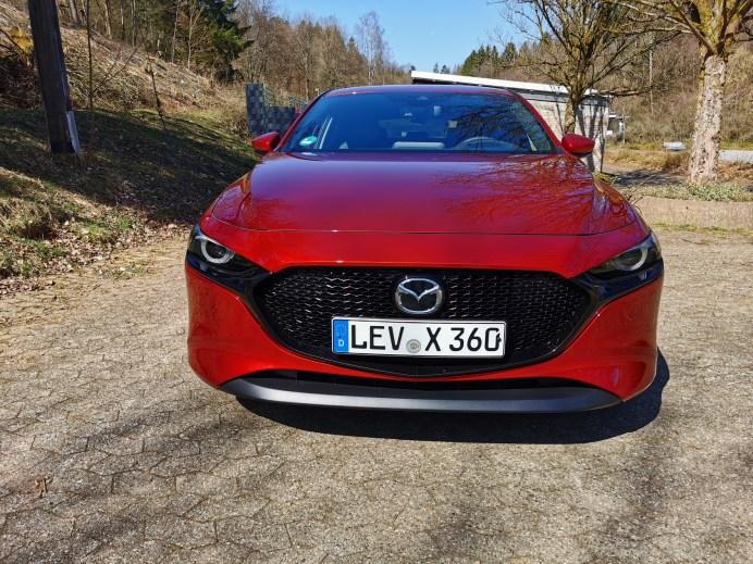 Die Schönheit des Kodo-Designs im Mazda3 ist das gemeinsame Werk von Designern und Ingenieuren und ihrer handwerklichen Genauigkeit. © Mike Neumann / mid