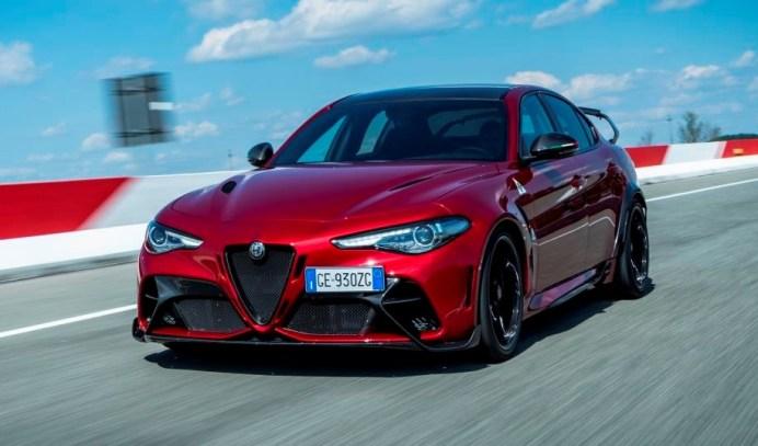 Der V6-Bi-Turbo-Benziner mit 2,9 Litern Hubraum generiert 397 kW/540 PS. © Alfa Romeo