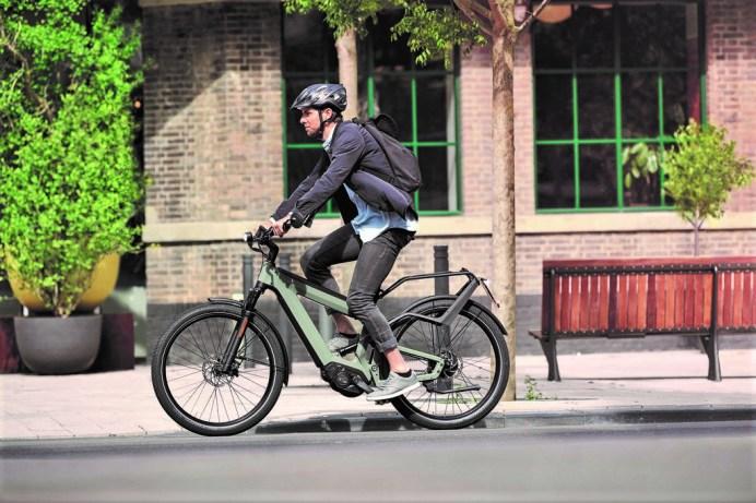 Wenn Geschwindigkeiten falsch eingeschätzt werden, kann ein Unfall schnell passieren, dann ist der richtige Versicherungsschutz wichtig. Foto: Auto-Medienportal.Net/B