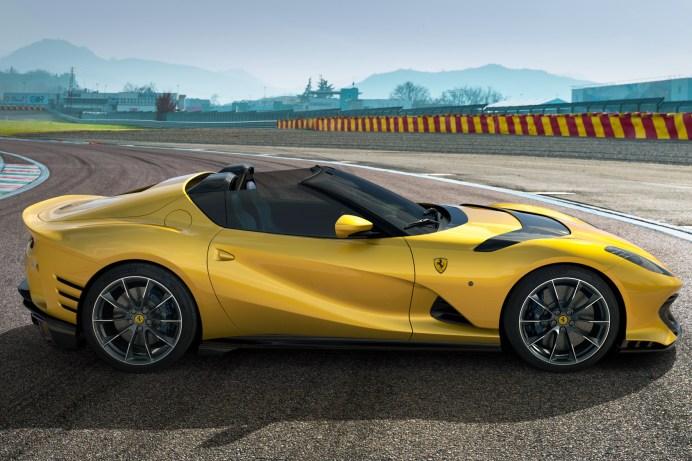 Auch der 812 Competizione A wird präsentiert, ebenfalls eine limitierte Sonderserie. © Ferrari