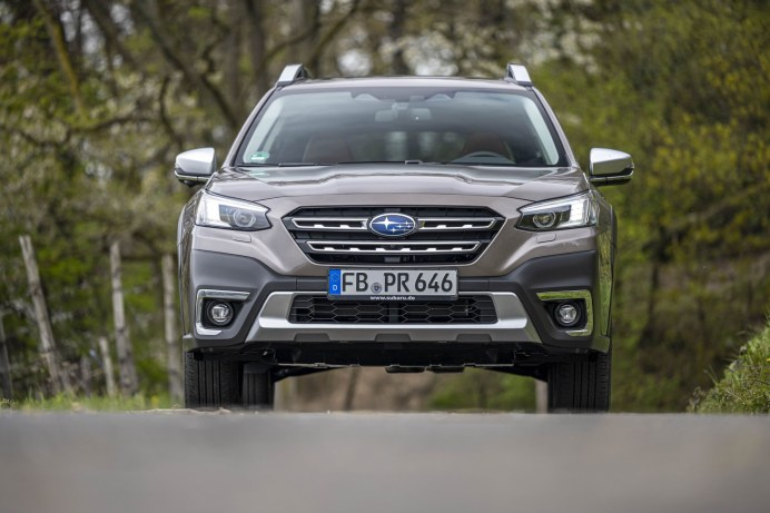Die rustikale Front des Subaru Outback mit dem neuen Hexagonal-Grill. © Subaru