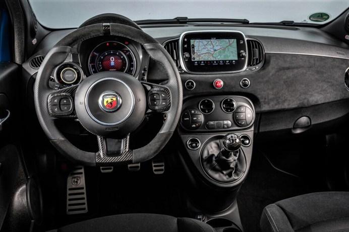 Abarth 595 Competizione. Foto: Auto-Medienportal.Net/Abarth