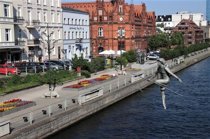 Der Seiltänzer – eine der markantesten Kunstfiguren in Bydgoszcz. © Kurt Sohnemann
