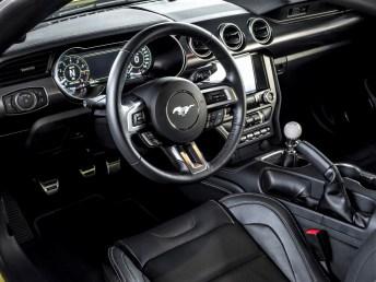 Klassische Armaturentafel im Mach 1. © Ford
