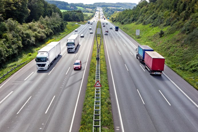 Geld aus einer Autobahnmaut würde zusätzliches Geld in die Staatskasse spülen, das für den Ausbau und den Erhalt der Straßen gut gebraucht wrden könnte. © Toll Collect