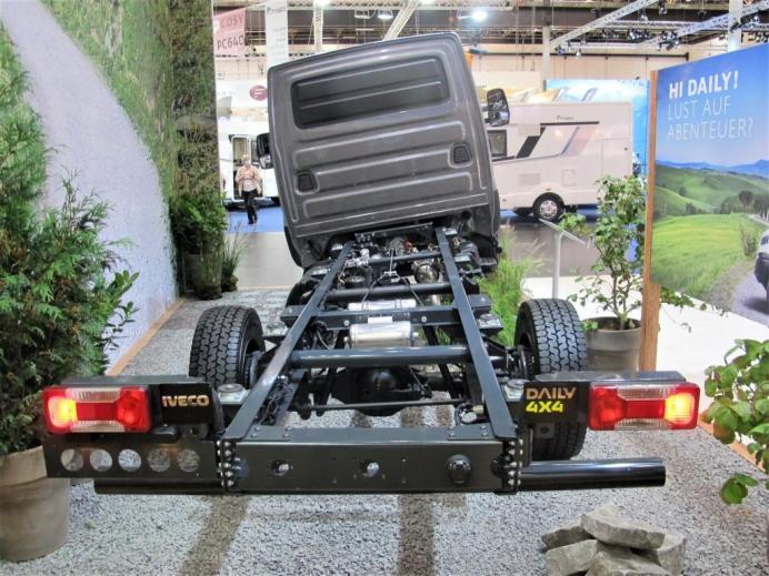 Allradantrieb und beachtliche Verschränkung qualifiziert den Iveco Daily 4x4 für den Einsatz abseits fester Straßen. © Karl Seiler