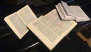 Die Bibel ist die alleinige Grundlage unseres Glaubens.