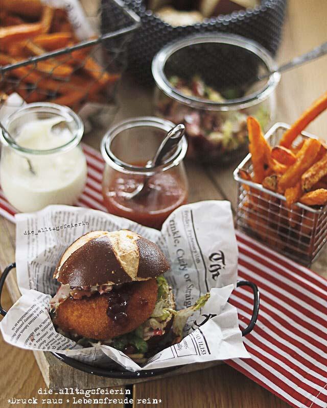 Huettenburger, Suesskartoffelpommes, Camembert, Laugenbroetchen, Speisplan, Essensplan, Freebie, Wochenplan, Download, Familienküche,