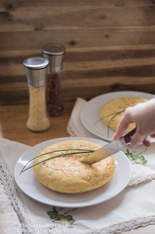 Wochenendfeierei KW20-19, Tortilla, Tortilla de patatas, spanische Tortilla, Tortilla mit Schinken und Käse, diealltagsfeierin.de, alltagsfeierliche Begegnungen,