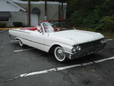 1961 Ford Galaxie Sunliner 8