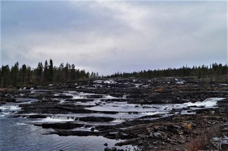 Read more about the article Tag 8 – Der erste Wasserfall in Schweden, der Trappstegsforsen