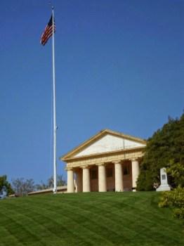 Das Haus von Robert Lee, dem General der die Südstaaten im Bürgerkrieg in Gettysburg anführte. Eigentlich das Haus der Familie Washington, auf dessen Plantage der Arlington Friedhof errichtet wurde.