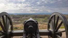 Die Kanonen am Little Round Top in Richtung der Konförderierten