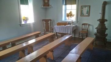 Es gibt keine Kirchen, es wird gemeinsam alles 2 Wochen in den Häusern gebetet