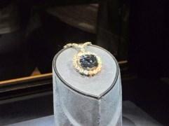 Der Hope-Diamant, leider sehr schwer zu fotografieren, da er sehr funkelt