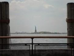 Die Freiheitsstatue vom Batterie Park ganz im Süden von Manhattan